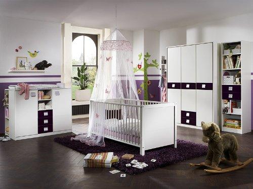 Komplett Babyzimmer weiss - brombeer Kleiderschrank Babybett Wickelkommode