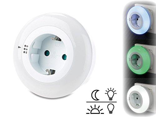 revolt Baby-Nachtlicht: LED-Nachtlicht mit Dämmerungssensor und Steckdose, 3 Farben (Nacht-Lampe)