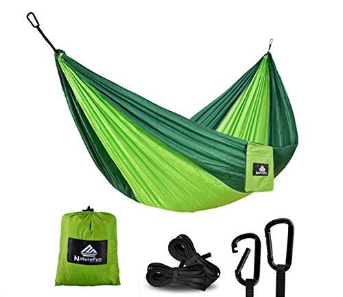 NatureFun Ultraleichte Reise Camping Hängematte | 300kg Tragkraft, (300 x 140 cm) Atmungsaktiv, Schnelltrocknendes Fallschirm Nylon | 2 x Premium Karabiner, 2 x Nylon-Schlingen Inbegriffen | Für Draußen Drinnen Garten